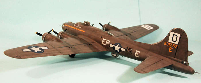 HK Models B-17G Early Production Scale Model Kit
