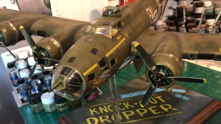 HK Models WWII Boeing B-17G Flying Fortress Late Production