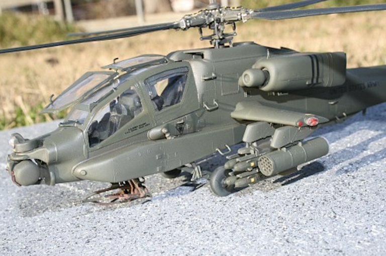 Revell Ah64 Apache Helicopter