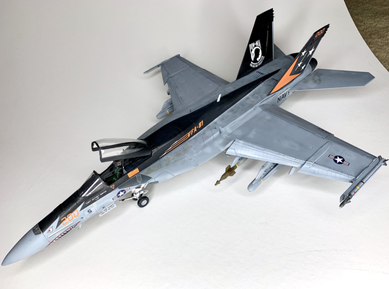 Revell F:A-18E Super Hornet Aircraft Model